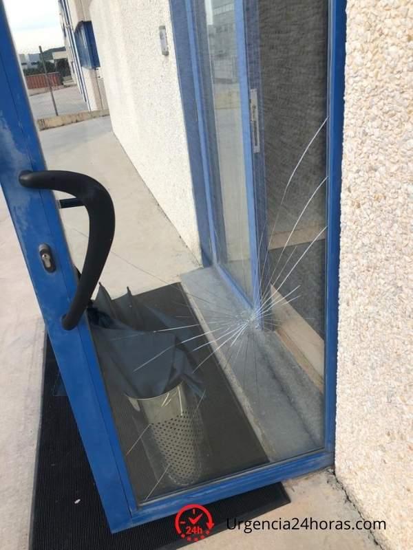 Cristal roto puerta