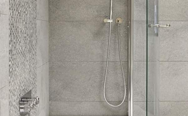 instalación mamparas de baño barcelona
